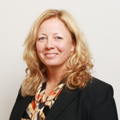 Andréa J. Woodburn